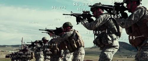 Кадр из фильма Псы войны солдат и стоимость его амбурдирования